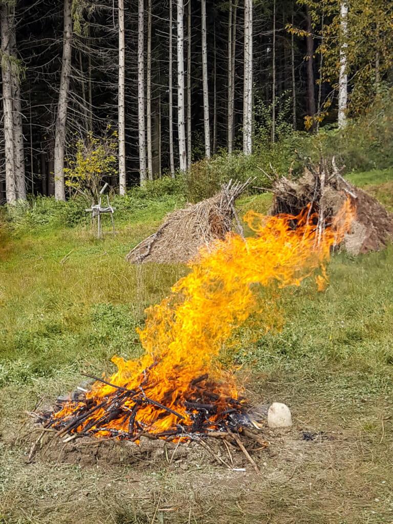 Ein großes, loderndes Feuer ist in dir entstanden.